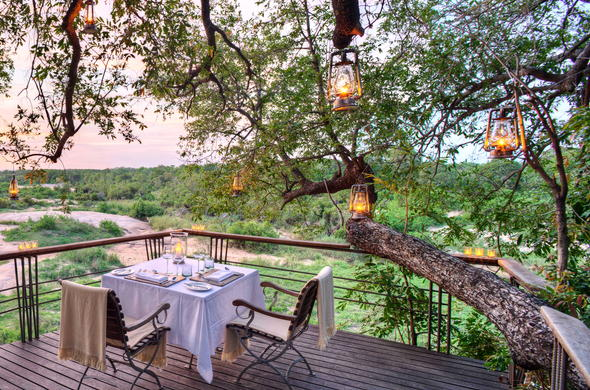 Enjoy romantic bush dinners in complete serenity and isolation.