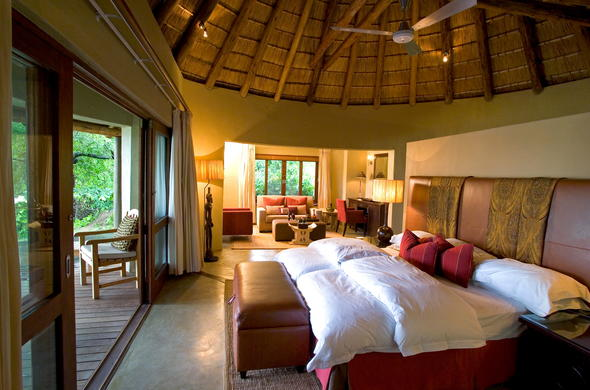 Dulini River Lodge suite.