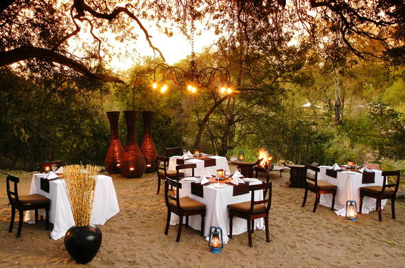 Tuck into delicious dinners during Boma evenings.